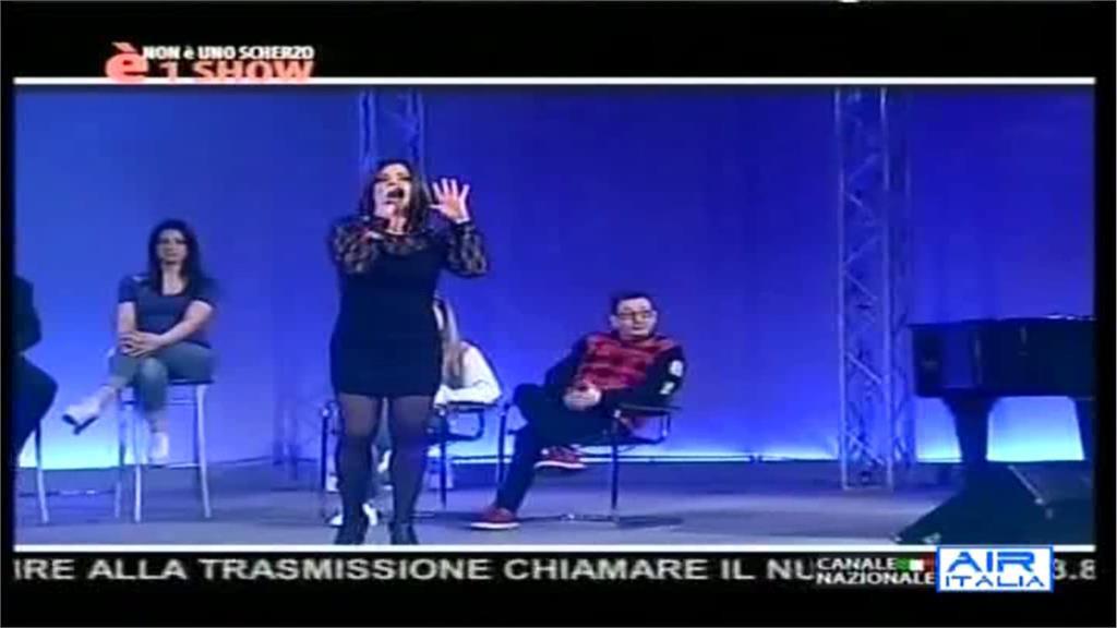 AIR ITALIA04-13 21-49-01